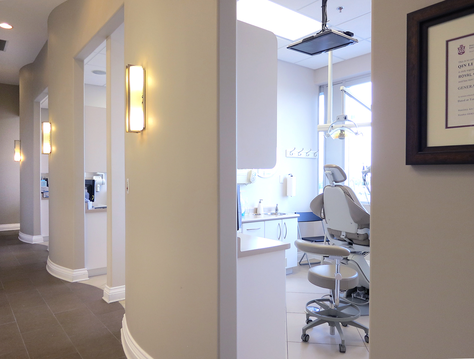 Dental clinic with high ceilings